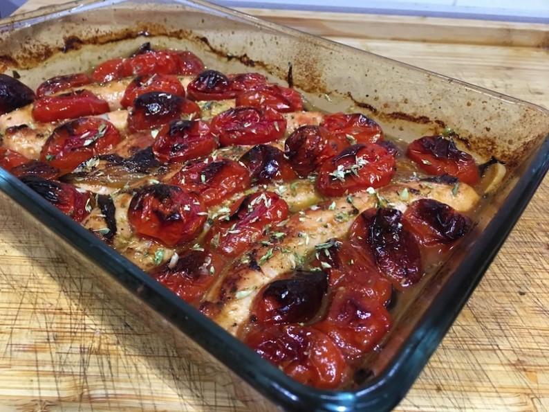 Salchichas de pollo con salsa de tomate 8-min